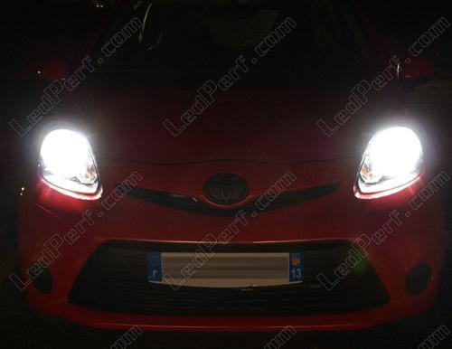 Set Lampen Voor De Koplampen Met Xenon Effect Voor Toyota Aygo